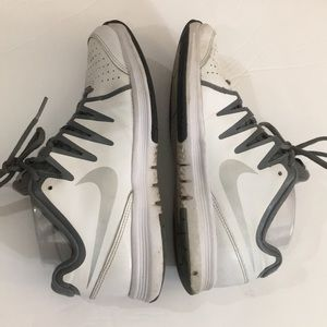 😎Nike vapor court leather shoes sz 7.5 awesome😎